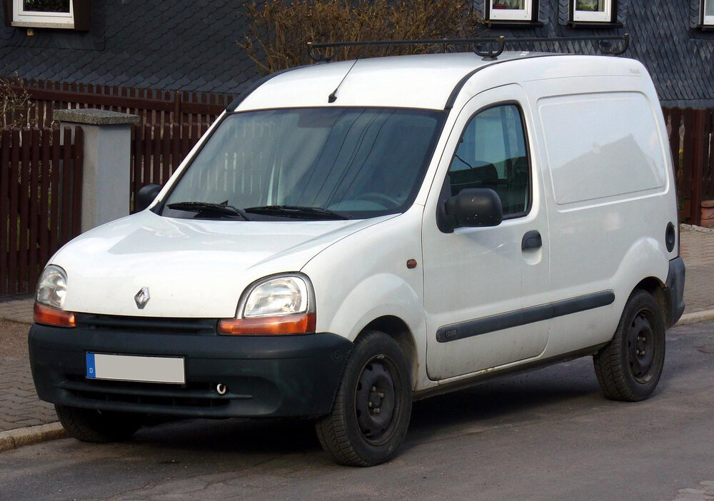 Renault Kangoo small van in white