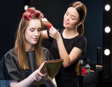 beauty salon vs mobile beautician what s better for you direct